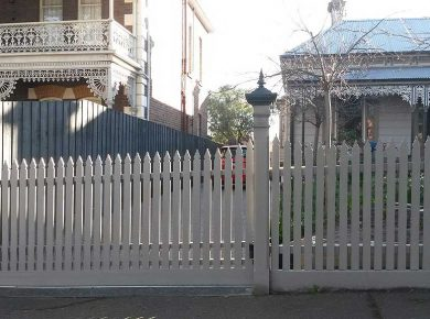 Wooden Sliding gates Melbourne